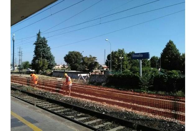 Treni, iniziati i lavori alla stazione di Imola per realizzare il terzo marciapiede. I dettagli