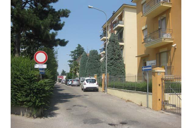 Novità in via Grandi a Castello: arriva la Ztl, transito consentito solo ai residenti