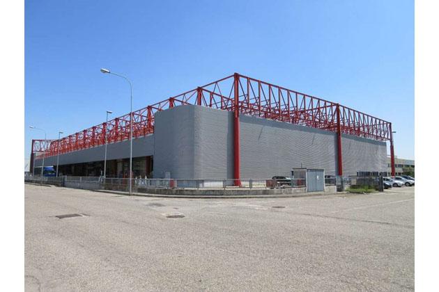 Deco Industrie ha comprato all'asta l'ex capannone 3elle di via Nenni