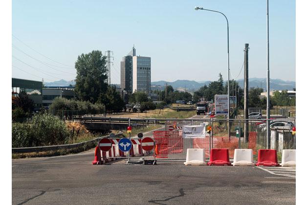 In via Gambellara il cantiere Hera dell'acquedotto industriale proseguirà fino all'11 agosto