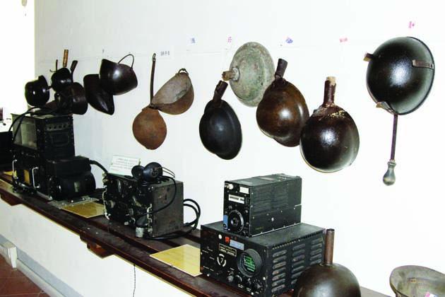 A Castel del Rio una mostra racconta gli oggetti di guerra in tempo di pace