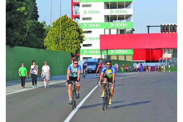 Autodromo Enzo e Dino Ferrari, pista aperta al pubblico a piedi e in bici