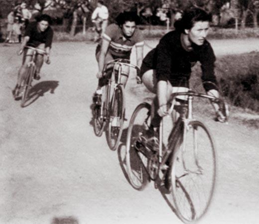 Nasce il ciclismo femminile