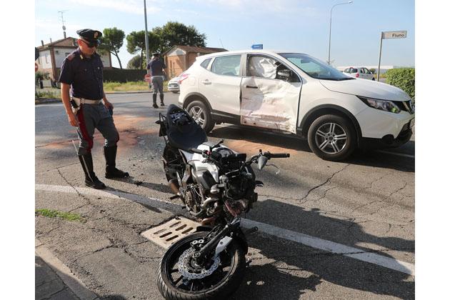 Incidente tra auto e moto sulla Selice a Case Volta