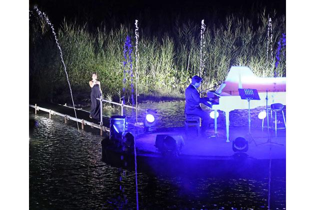 Musica e giochi di luce sul fiume per San Bartolomeo