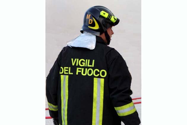 Incendio sulle colline sopra Castel San Pietro, bruciati 5 ettari di sterpaglie e sottobosco