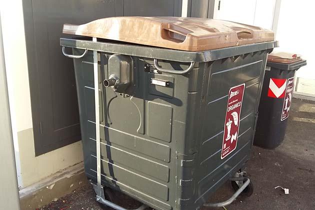 Nuova raccolta rifiuti, a Castello ci saranno i cassonetti per l'umido col pedale