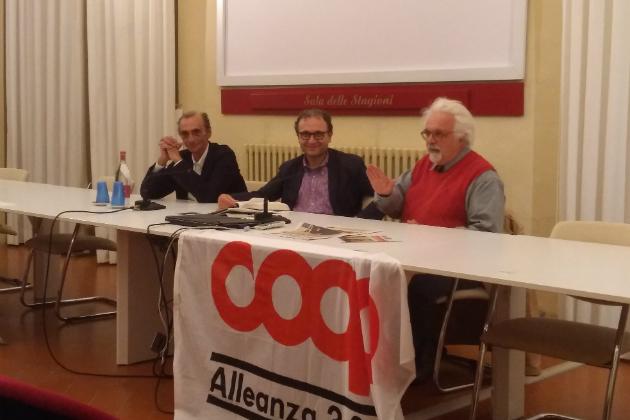 CooperAttivaMente, sala delle stagioni piena per Patrizio Roversi e Martino Ragusa