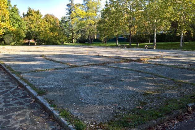 Il Comune rimette a nuovo la pista di pattinaggio in via Scania con gli introiti delle cave