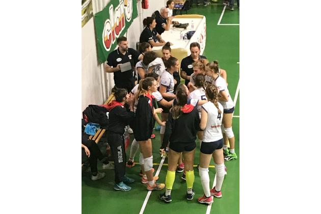 Volley B2 femminile: esordio casalingo vincente per la Clai