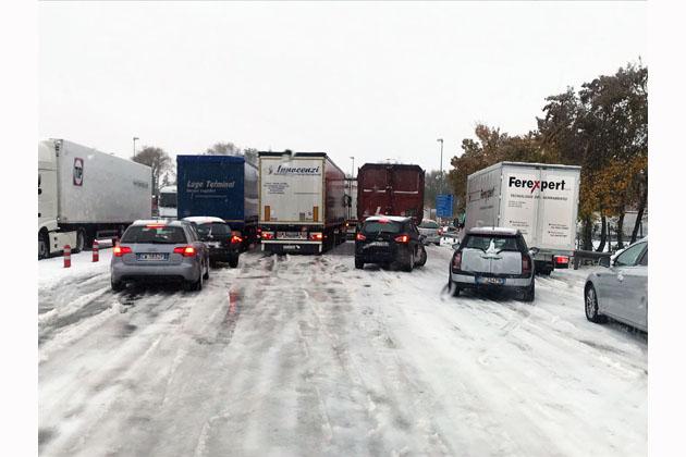 """Neve, domani scuole aperte. Il vicesindaco Visani: """"Autostrade parli con i Comuni prima di chiudere i caselli"""""""