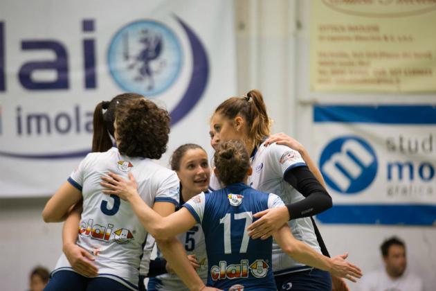 Pallavolo B2 femminile, la Clai Imola vince 3-2 in casa col Cervia