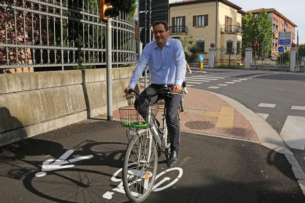 Manutenzione dei marciapiedi e segnaletica orizzontale più evidente, investimenti da 480 mila euro del Comune
