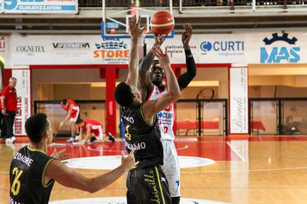 Basket A2: Imola vince con Bergamo (+22), Bell con 18 punti miglior realizzatore