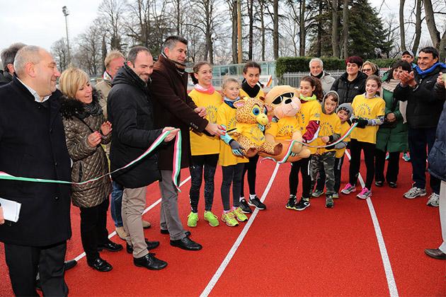 """Inaugurata la nuova pista d'atletica al Romeo Galli. L'assessore Tronconi: """"Siamo orgogliosi del lavoro fatto"""""""
