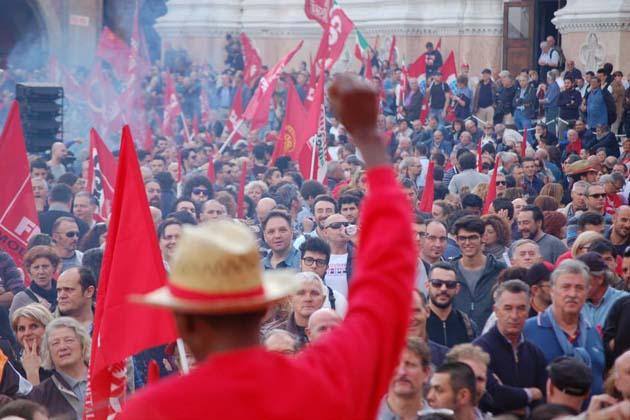 Cgil, 20 mila persone a Roma