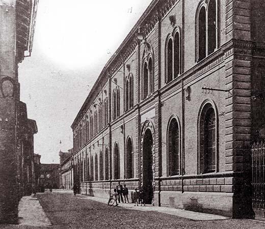 Scuole Carducci 90 anni fa