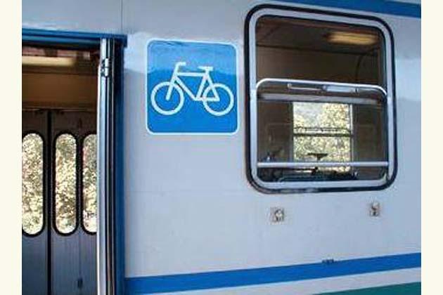 Treno più bici, ora costano meno