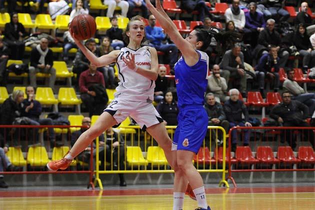 Basket: è Magika dopo 2 overtime