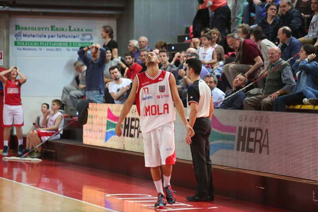 Basket: Andrea Costa mai in partita