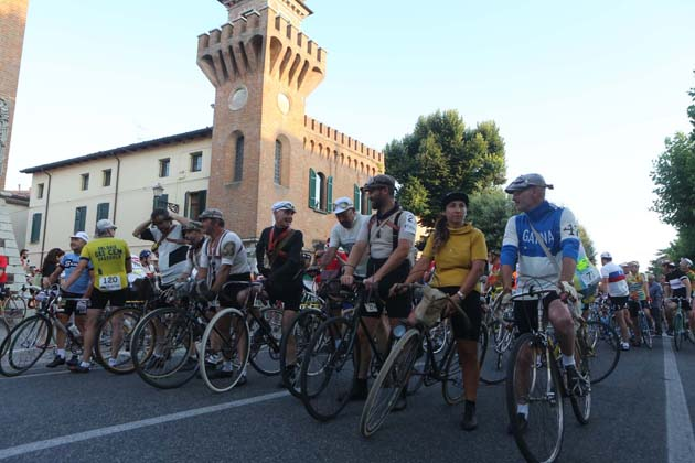 "In 118 alle ""Strade bianche"" by night"