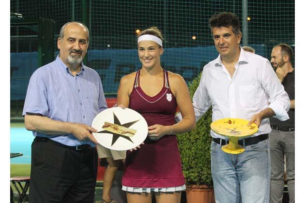 Tennis Tozzona, vince Bernarda Pera