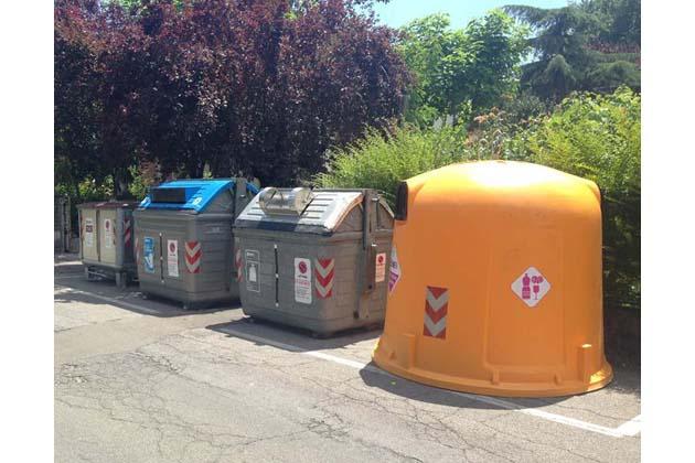 Sporte per la differenziata in cambio di rifiuti