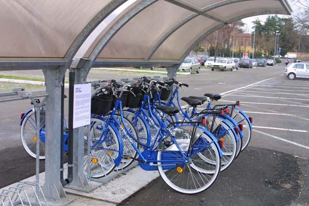 Pompe pubbliche per gonfiare le bici