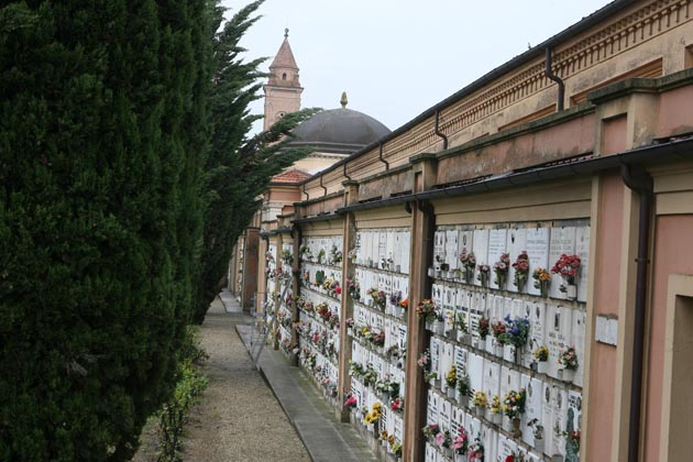 Cimiteri a BeniComuni, l'Iva aumenta i canoni