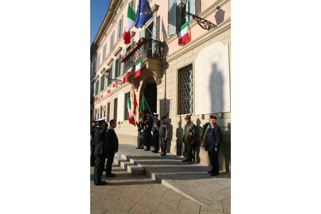 4 Novembre, a Castello cerimonia in piazza