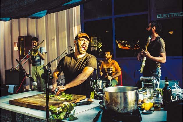 Cucina e musica a teatro con DonPasta