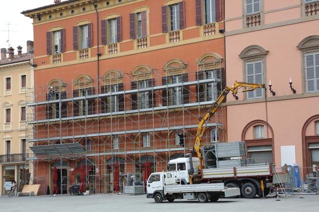 Palazzo comunale, riparte la tinteggiatura