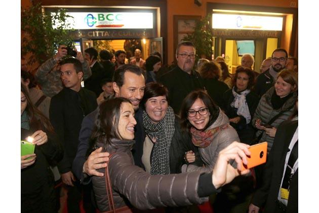 """Stefano Accorsi a Imola per """"Veloce come il vento"""""""