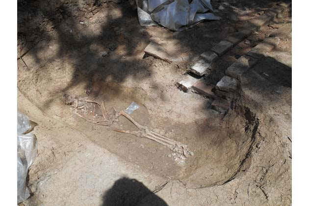 Osservanza, 74 tombe nella necropoli