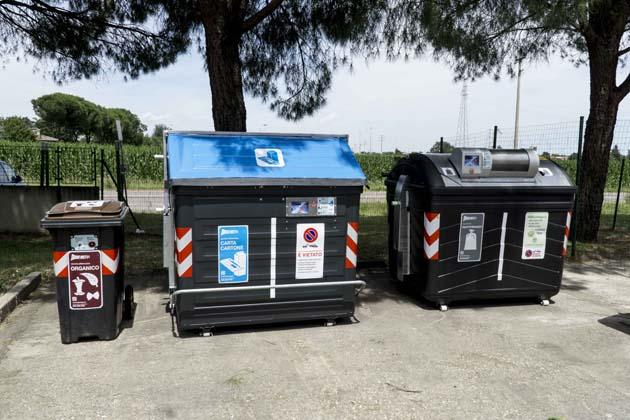 Nuova raccolta rifiuti, ecco i cassonetti