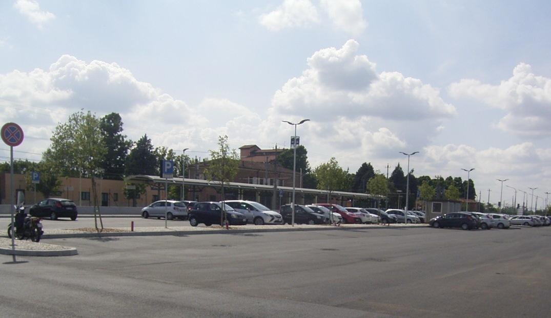 Taglio del nastro per il parcheggio nord della stazione