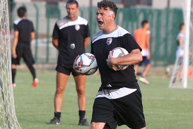 Calcio: Imolese, bel 3-0 a Cervia