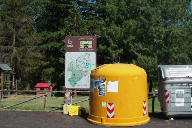 Nuova raccolta dei rifiuti, tessere per i cassonetti anche in vallata