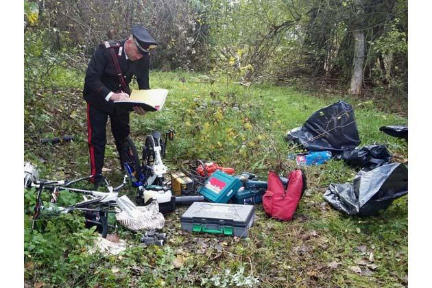 Oggetti rubati per un valore di 15 mila euro sono sono stati ritrovati in un casolare in via Bastiana