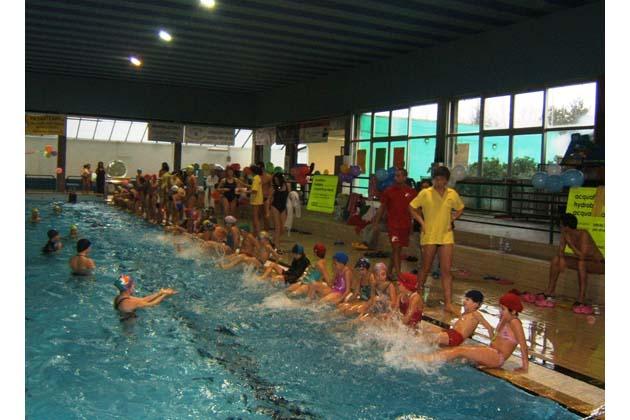 Ritorna l'Acquagame giochi a offerta libera nella piscina di viale Terme