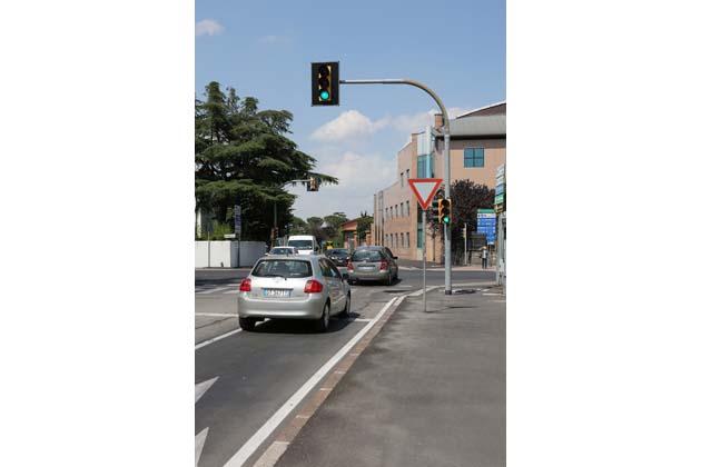 Semafori sempre attivi negli incroci Marconi-Vittorio Veneto e Marconi-Andrea Costa
