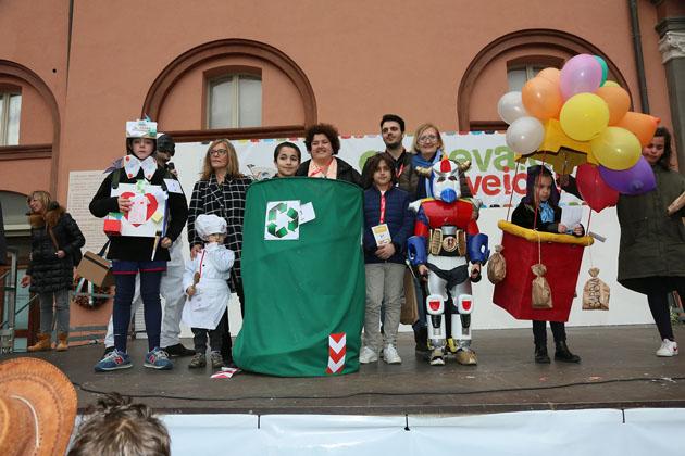 Carnevale dei bambini, la vittoria a Capitan Flacone