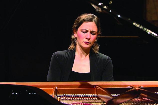 La pianista Chistiakova suona Chopin nella sala Mariele Ventre