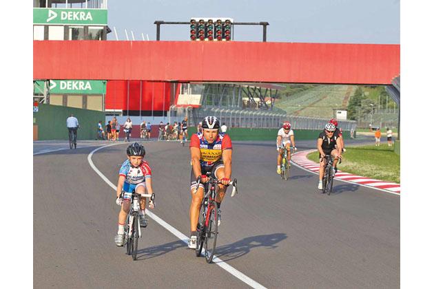 In pista a piedi o in bici, ritornano le aperture al pubblico dell'autodromo