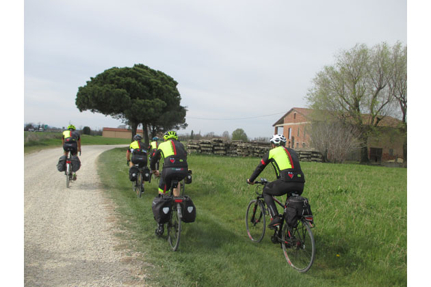 """Al via 131 km di """"Strade Bianche di Romagna"""" under 23"""