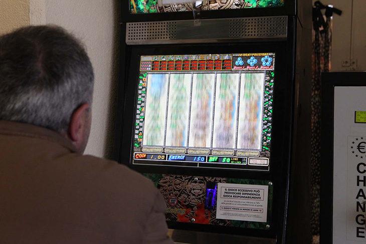Gioco d'azzardo, mappati sul territorio i luoghi «sensibili» per le slot