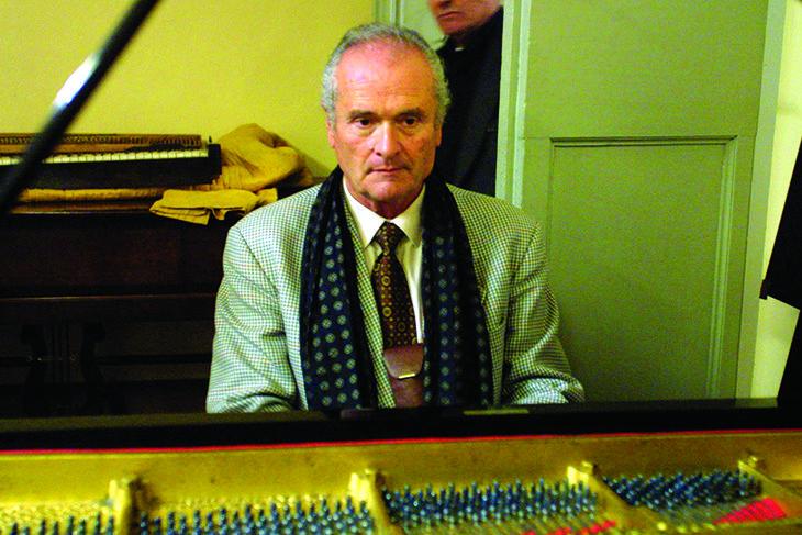 Il fondatore dell'Accademia pianistica Franco Scala è il vincitore del premio Vendome Award