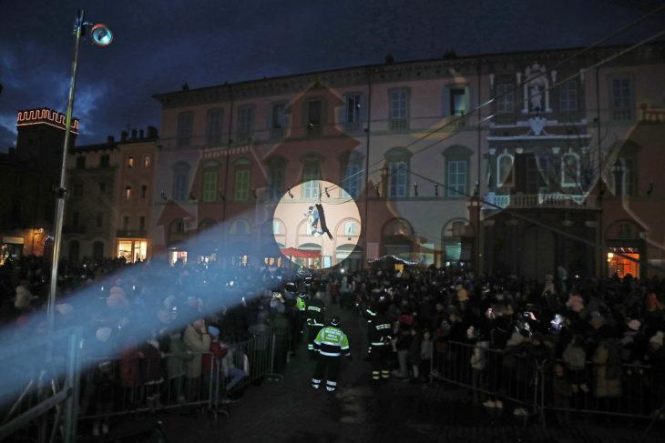Le immagini della Befana in piazza a Imola
