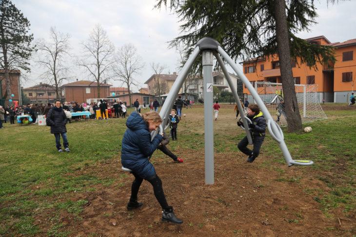 Inaugurato il parco partecipato di Zello, dopo i giochi ora si vota il regolamento