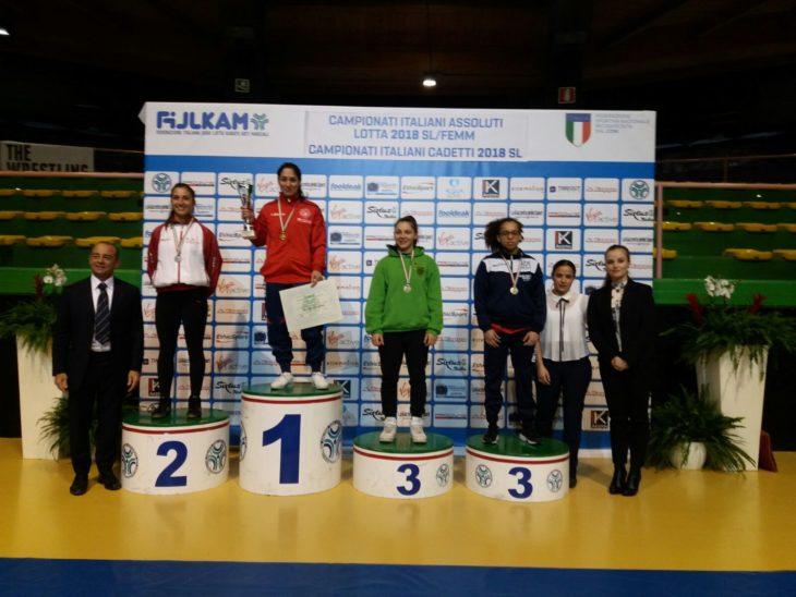 Valentina Minguzzi è campionessa italiana assoluta di lotta femminile per l'Unione sportiva imolese lotta
